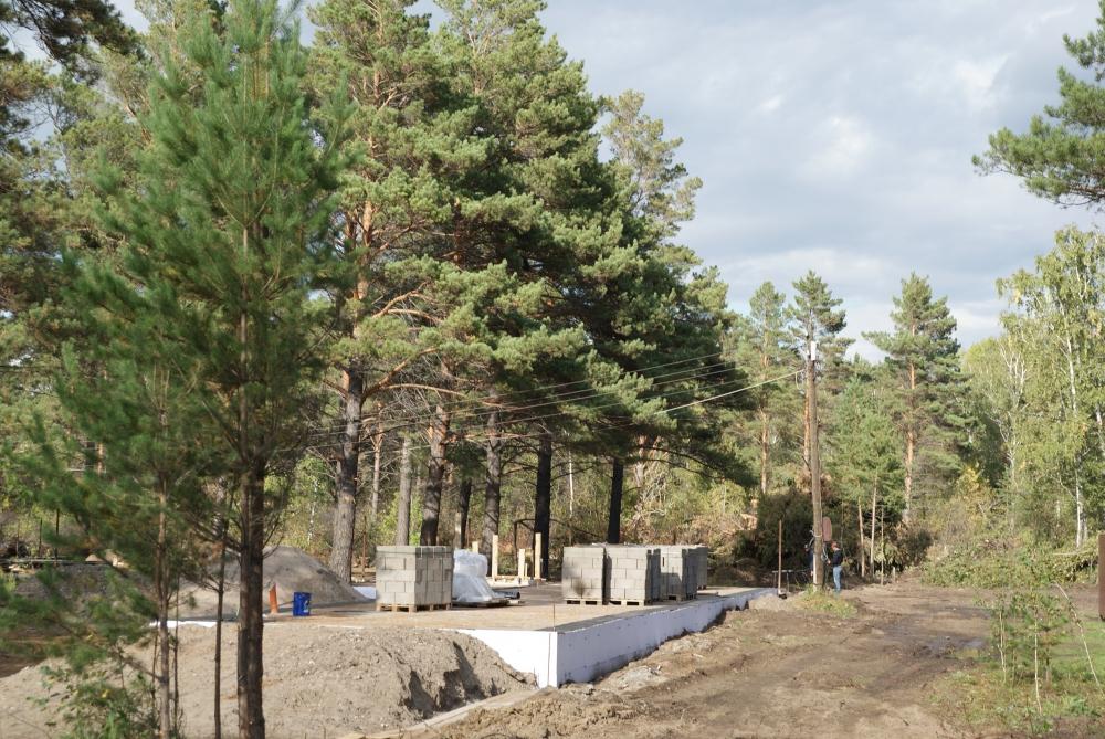 Новые коттеджи в Березовском районе возникают как грибы после дождя.