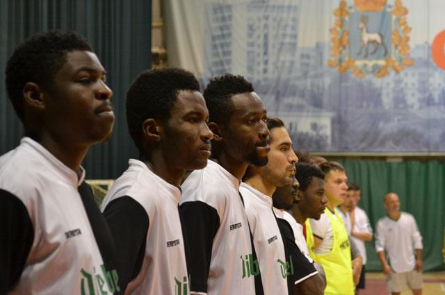 В составе некоторых команд были чернокожие студенты СГАУ.