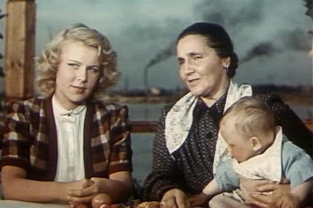 Вера Кузнецова в фильме «Большая семья» (1954)