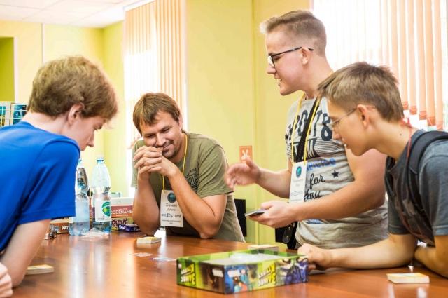 Играя в игры, человек может примерить на себя самые разные роли.