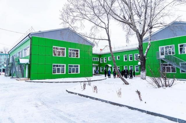 Накануне Нового года в Черемхово после капитального ремонта торжественно открылась школа-сад № 1.