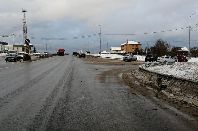 ДТП произошло в 12:15 на повороте к деревне Пучково.