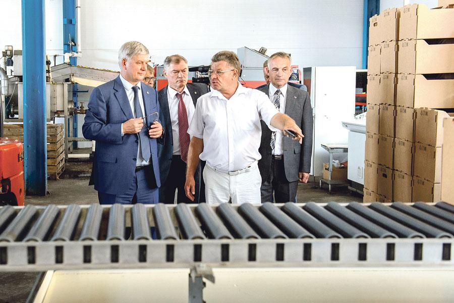 «Острогожсксадпитомник» располагает шестью современными фруктохранилищами общей вместимостью 19 тысяч тонн.
