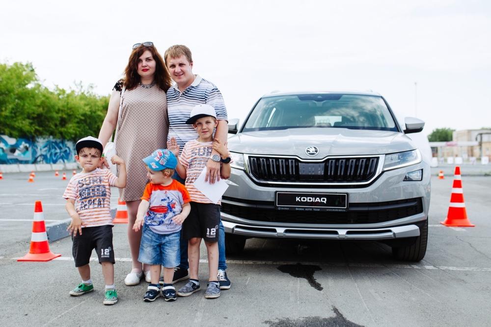 Автомобиль для всей семьи и выбирать нужно вместе.