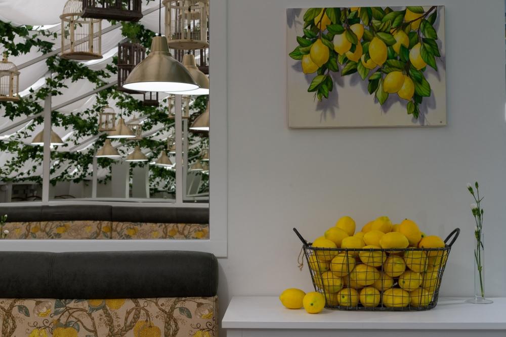 Команда ресторана Carbonara подготовила банкетное меню и специальные предложения для новогодних торжеств.