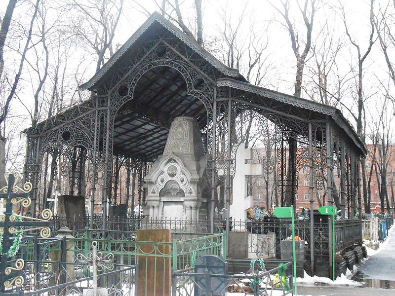 Рогожский погост основали во время чумы. Усыпальница Морозовых