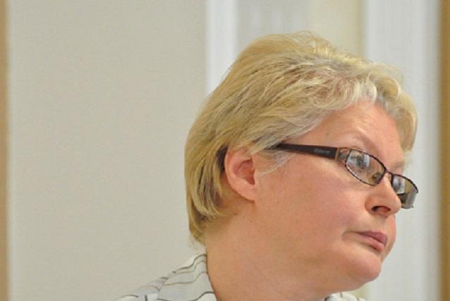 Глава регионального минтруда Елена Косникова