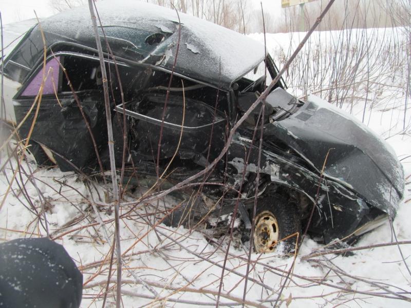 В Саракташе при столкновении ВАЗа с иномаркой пострадала женщина-водитель.