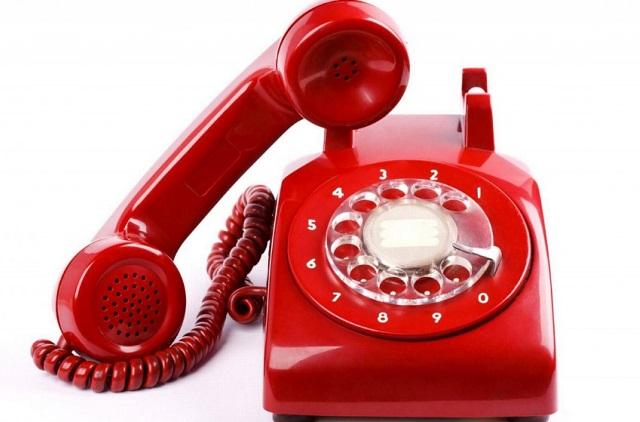 Телефон в квартире пожилого человека должен находиться в свободном доступе.