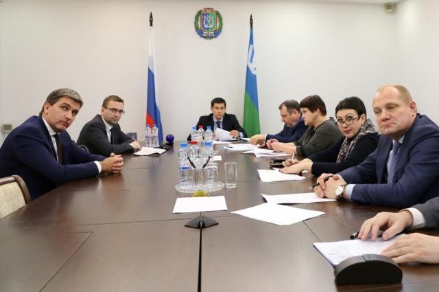 Ноябрь 2015 года. Сергей Макаров (слева) на заседании аттестационной комиссии.