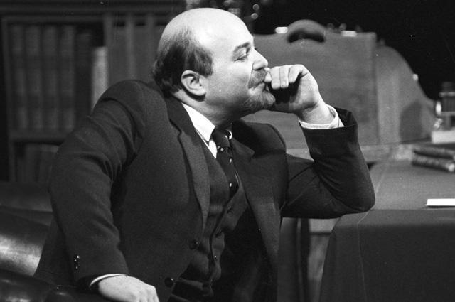 Александр Калягин в спектакле «Так победим», 1982 год