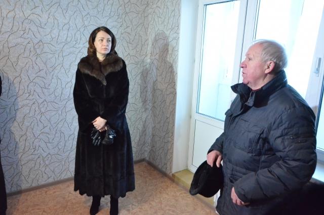 Фадина лично проверила качество ремонта дома.