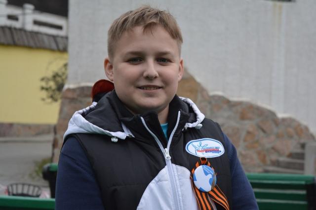 Именно с раздачи георгиевской ленточки Данил Кирпиченко начал путь в волонтеры.