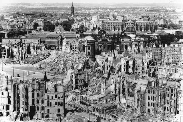 Вид разрушений. Фото из немецких архивов, 1945 г.