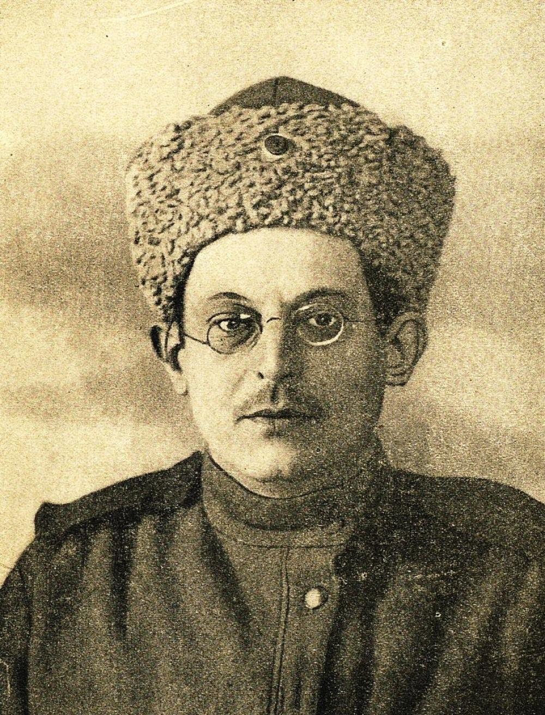 Николай Яковлев. Его именем названа улица в центре Омска.