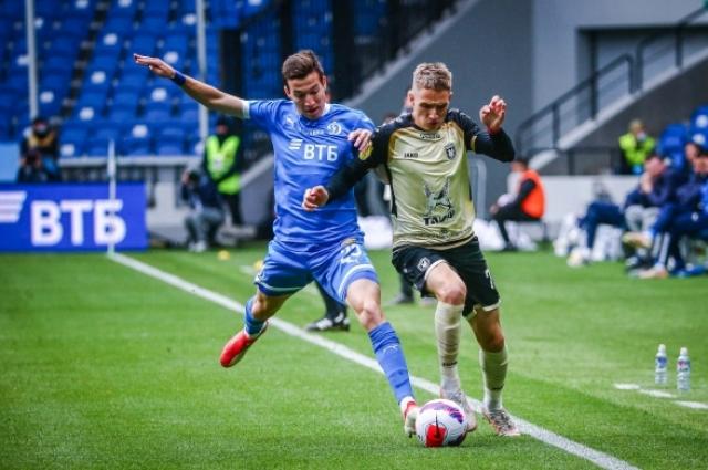 Денис Макаров принял участие в первом голе в ворота своей бывшей команды.
