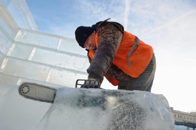 На создание ледовой композиции уйдёт примерно 700-800 кубометров льда.