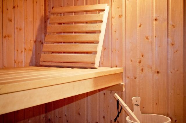 Хвоя и дрова пригодятся в бане.