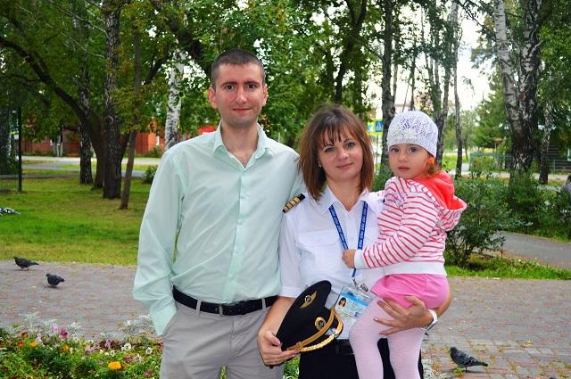 Виктория Кумова с семьей