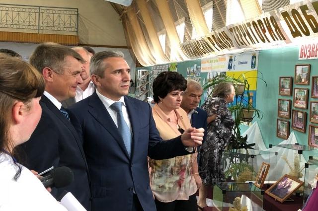 Александр Моор посетил площадки праздника
