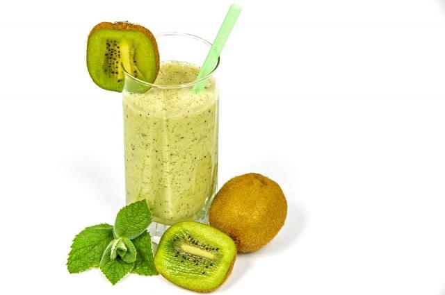 Напиток из киви зарядит витамином С.