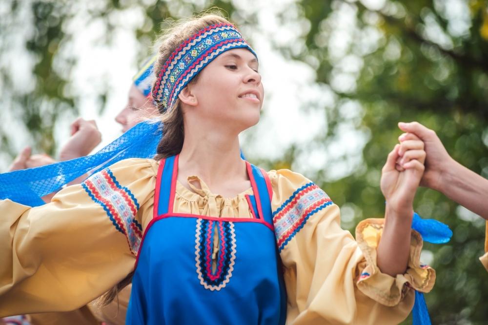 Участница танцевального коллектива из Олонецкого района