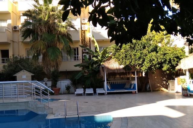 На курортах отдыхающие расслабляются и открываются случайным знакомым.