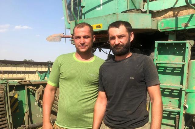 Комбайнёры Александр и Виталий Тамбовцевы (II место)