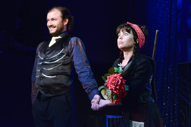 Кощей и Баба Яга - Игорь и Наталья Коротаевы.