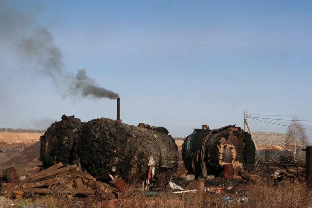 Сжигание вышедших из строя железнодорожных шпал на территории, прилегающей к полигону ТБО вызвало вопросы у регионального министерства экологии.