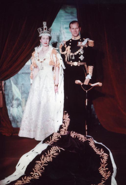 Коронационный портрет Елизаветы ll и Филиппа, июнь 1953 года.