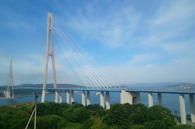 Русский мост содержится в безупречном состоянии.