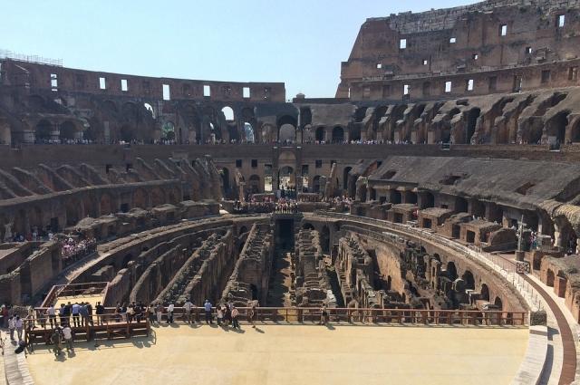 Главный символ Древнего Рима - Колизей.