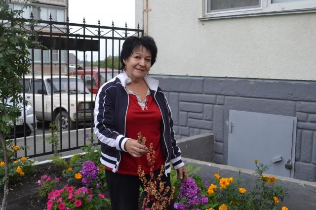 Садовник Валентина Хильченко знает о цветах всё.