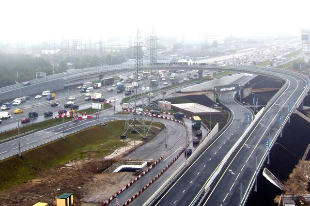 Построенные в разных районах города современные транспортные развязки помогли сменить 1-е место по загруженности дорог на 13-е.