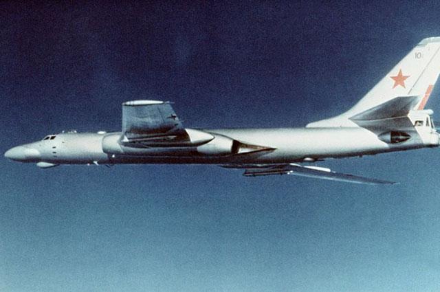Бомбардировщик Ту-16К.