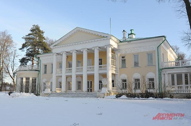 Главный дом в Горках