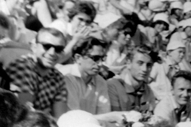 Слева направо: Юрий Гагарин, замначальника управления «Артека» Чирков и Александр Зельцер.