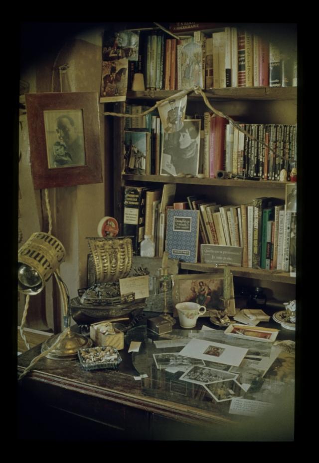 Так выглядела полукомната Бродского в день отъезда поэта в 1972 году.