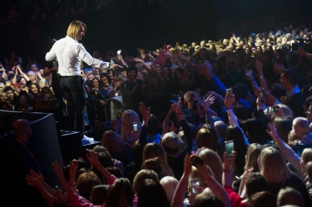 Олег Винник выступил с сольным концертом во Дворце Спорта.
