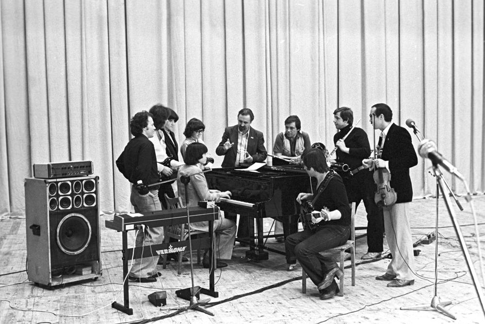 Репетиция эстрадного ансамбля «Верасы». 1984 г.