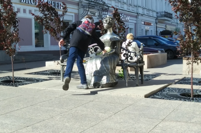 Любочка дня многих - символ Омска.
