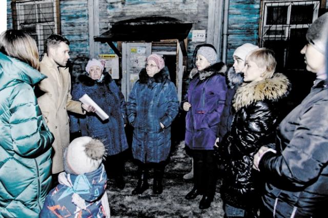 Благодаря вмешательству Алексея Вихарева и его коллег финансирование программы переселения из ветхого жилья было увеличено на 100 миллионов рублей.