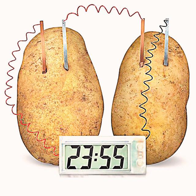 Часы, работающие от энергии картофеля.