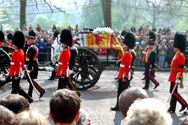 Похороны Королевы-матери