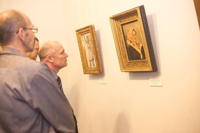 На выставке набросков и эскизов Сурикова.