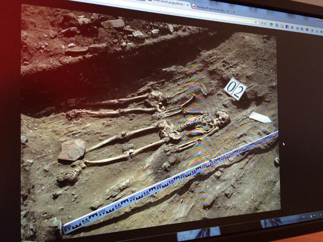 Скелет мужчины и женщины времен неолита