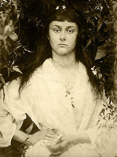Алиса Лидделл в возрасте двадцати лет, 1872 год,