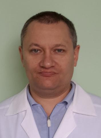 Главный врач ЦГБ Новошахтинска Владимир Савин:На протяжении многих лет здравоохранение города испытывало дефицит кадров, но прошлый год показал, что проблему можно решать.