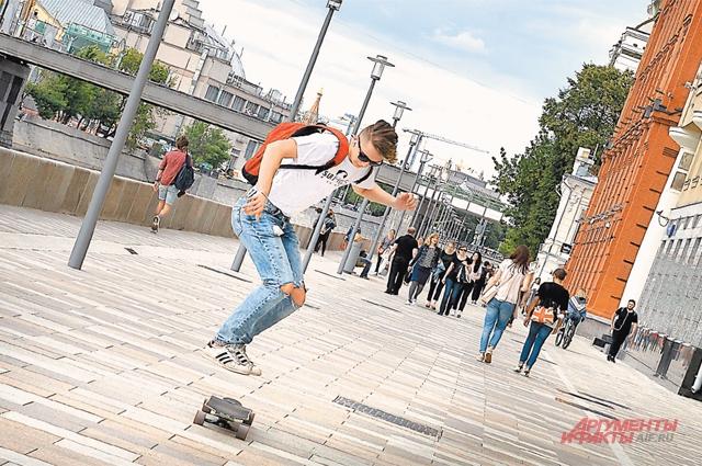 По словам Питера Скотта, благоустроенные улицы, парки и бульвары становятся неожиданностью для иностранных туристов.